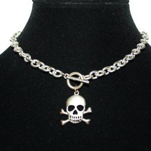 Tiff style silver necklace with skull pendant